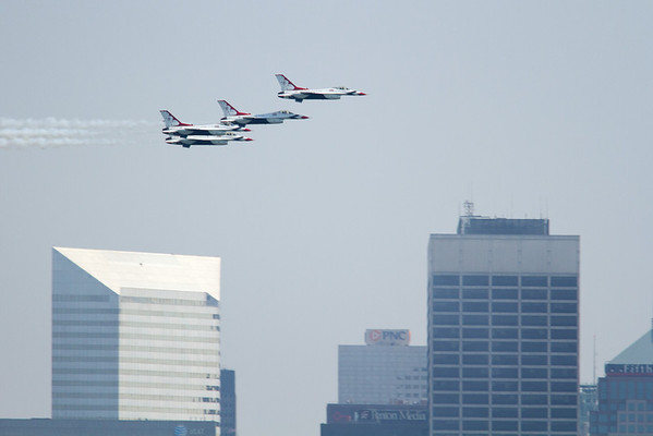 The Thunderbirds, Cleveland National Airshow 2011