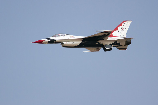 Thunderbirds, F-16 Falcon
