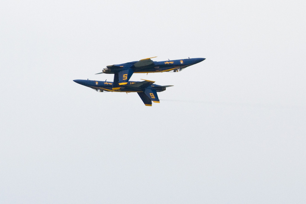 How do they get so close without crashing into each other?<br /> Cleveland National Air Show 2010