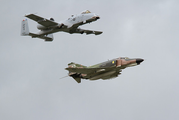 Heritage flight, A-10 Thunderbolt III and a F-4 Phantom<br /> 2011 Cleveland National Air Show