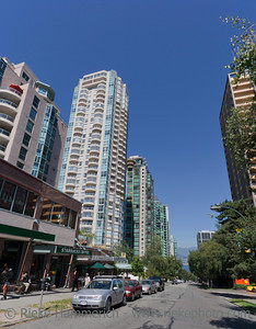 Vancouver, British Columbia, Canada – August 5, 2005: Street Scene on Jervis Street with Sidewalk Café and Creperie in Vancouver, Canada. Jervis Street is located between Robson and Alberni Street and belongs to the West End of Vancouver on the downtown peninsula.