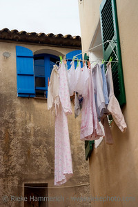 laundry outdoors - ramatuelle, french riviera - adobe RGB