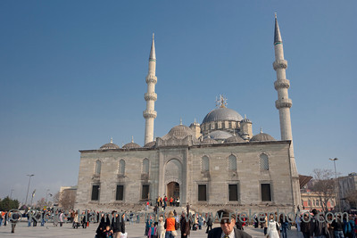 Yeni Cami Mosque in Istanbul with busy People - Istanbul, Turkey, Europe