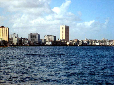 The Habana bay is shaped like a horseshoe.  Photo Credit Enrique Alfonso.