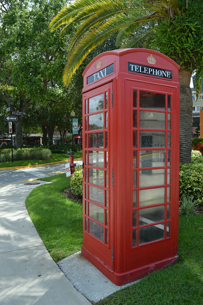 Taxi-Telephone Booth