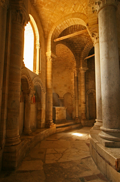 Abbey light, San Antimo