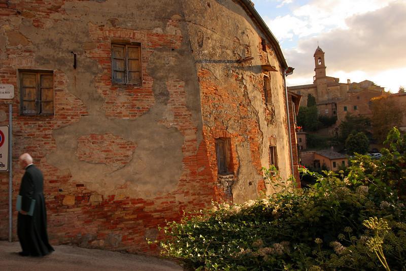 Priestly duties, Montepulciano