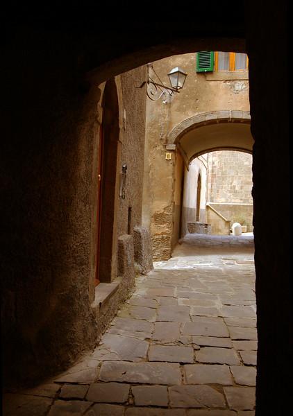 Arches, Castel di Piano
