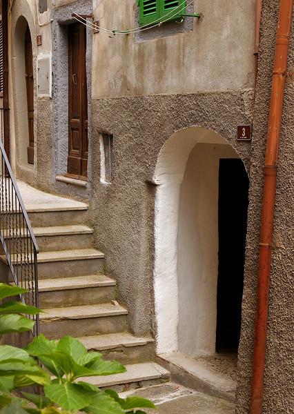 Doorway and stairs, Castel di Piano
