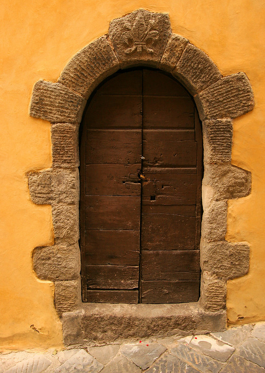 Doorway, Castel di Piano