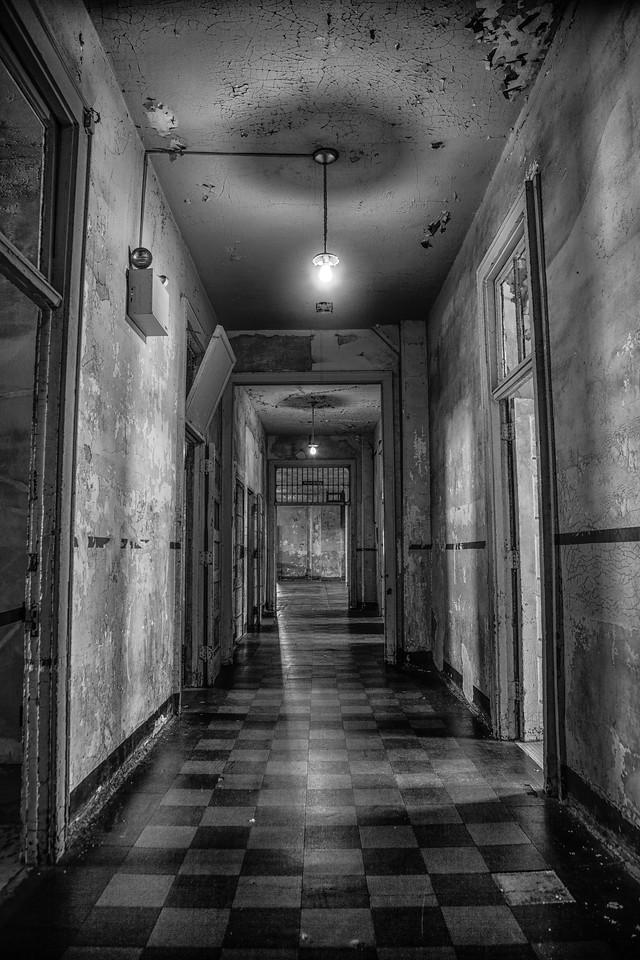 Corridors BW
