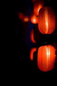 In the evening the buildings of Lijiang are all competing on who can put most red lanterns hanging outside