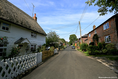 Avebury Village 001 (July 2014)
