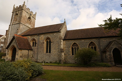Holy Cross : Church End, Wilcot, Wiltshire, SN9 5PJ (August 2015)