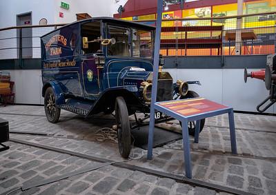 1914 Ford Model T Van