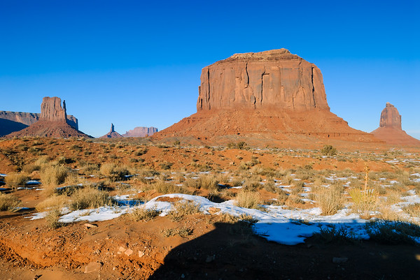 Merrick's Butte and Mittens, Monument Valley, Kayenta AZ (17 December 2007)