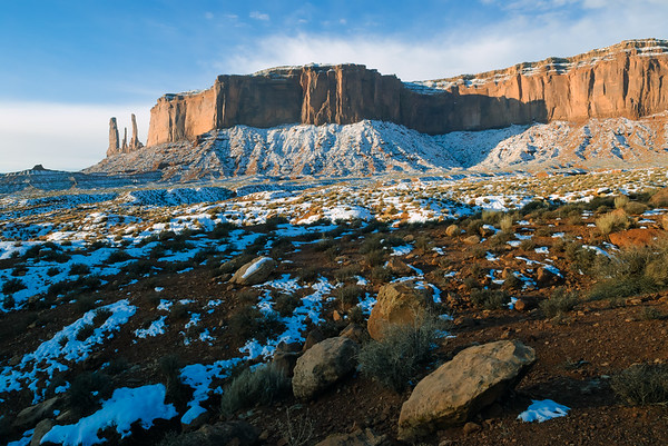 Three Sisters, Monument Valley, Kaytena AZ (18 December 2007)