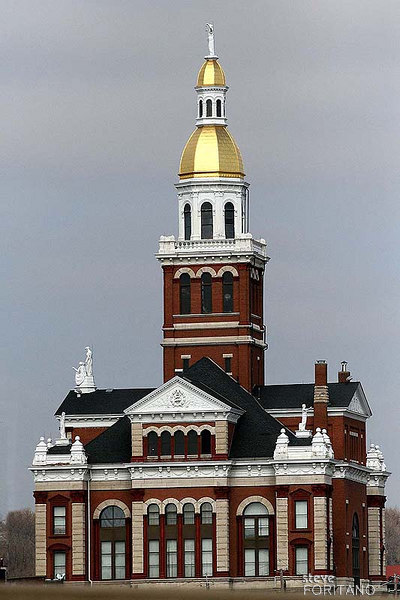 Dubuque County Courthouse.