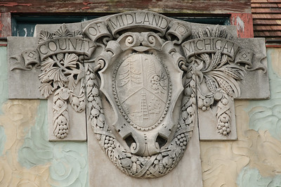 Detail of entryway of Midland County Courthouse