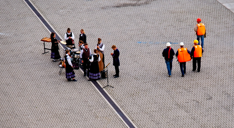 Welcoming band. They like cruise ships