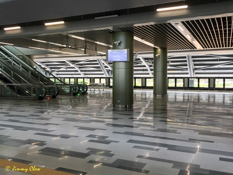 Big space at Kwasa Damansara station.