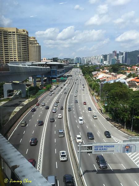 The LDP towards One Utama northbound.
