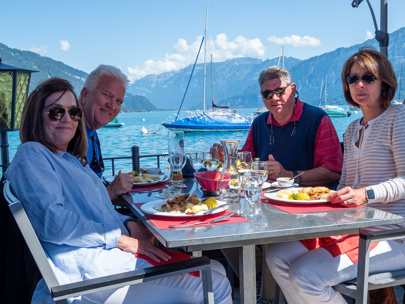 Rogers and Shorts  having lunch at Lake Thun