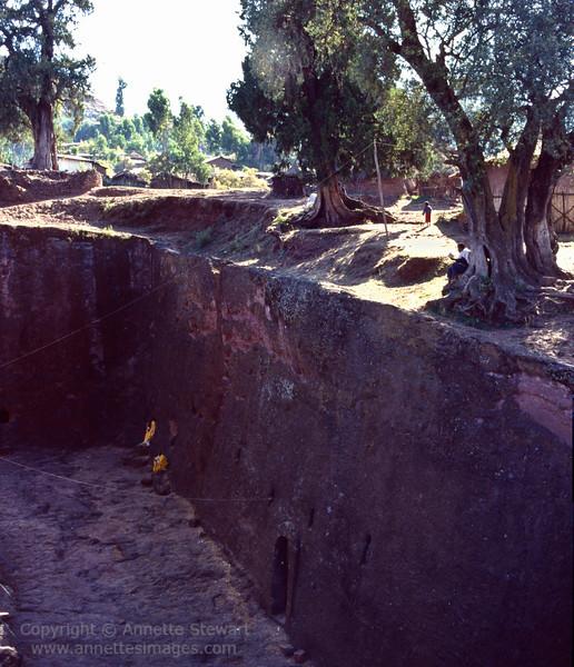 Bet Medhane, Lalibela rock-hewn churches
