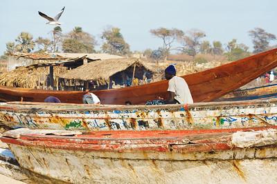 09AZb1022 Africa Boat Candid Gambia Gunjur PortTransport