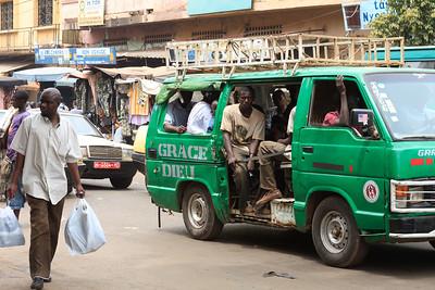 09AZa2487 Africa Bamako Candid Mali Minibus Street Transport