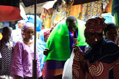 09AZa2470 Africa Bamako Green Mali Market Street Textile