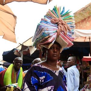 09AZa2476 Africa Balancing Bamako Candids Mali Market Street