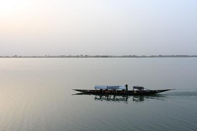 09AZa2544 Africa Boat Mali Rivers Segou Transport Water