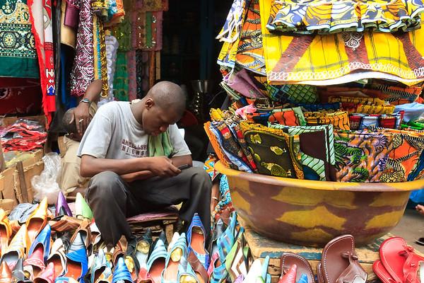 09AZa2523 Africa Bamako Clothes Shop Mali Market Shoe Shop