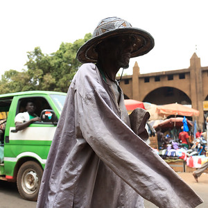 09AZa2491 Africa Bamako Candid Mali Minibus Street Transport