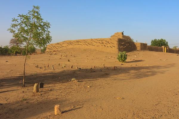 09AZa2913 Africa Gao Islam Mali Tomb of the Askia Tomb