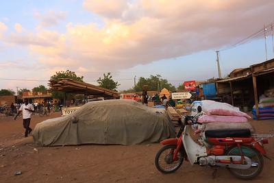 09AZa3665 Africa Koro Mali Motorbike Street Sunset Transport