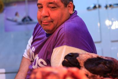 09AZa673 Africa Butchers Food Head and Shoulders Individuals Markets Meat Meknes Morocco Occupations Older Men Portraits Work