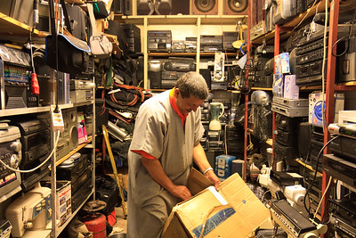 09AZa125 Africa Morocco Old Shopkeeper Tiznit Workshop