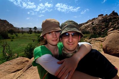 09AZa259 Africa Morocco Lu Barnham Tafraoute Men Women