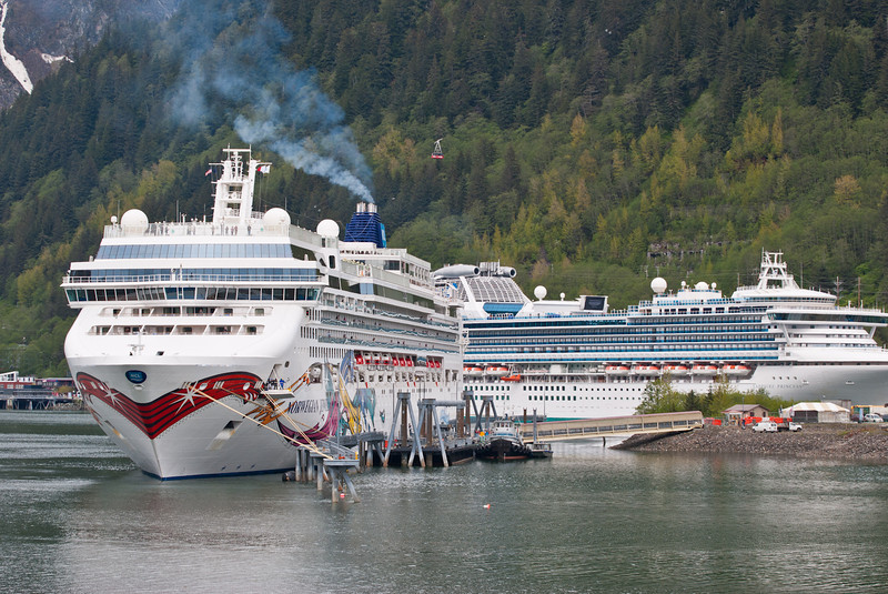 The Norwegian Jewel and Sapphire Princess docked at Juneau.