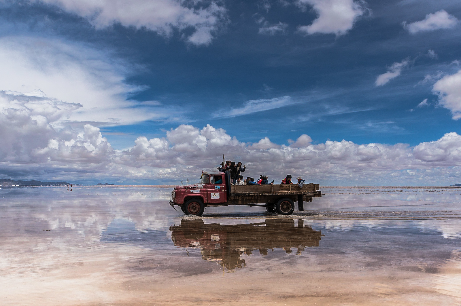 Driving on the Salar under water