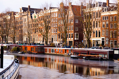 Waalseilandsgracht  The winter light reflected back off the ice was stunning as were the reflections on the still waters left calm by the absence of wind and the infrequent boat traffic.