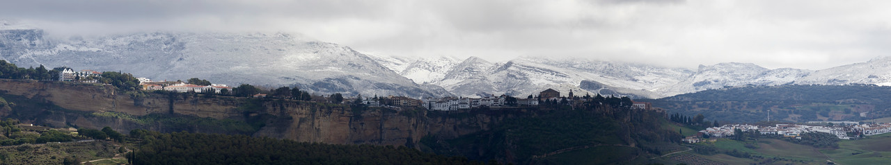 Ronda. Click and select original from right down corner to see