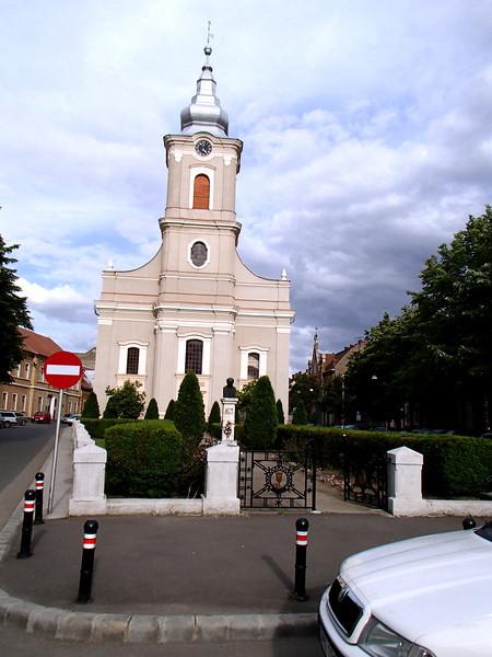 0096 Szatmar Church with Chains