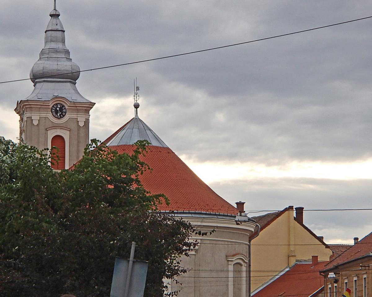 0139 Szatmar Church with Chains