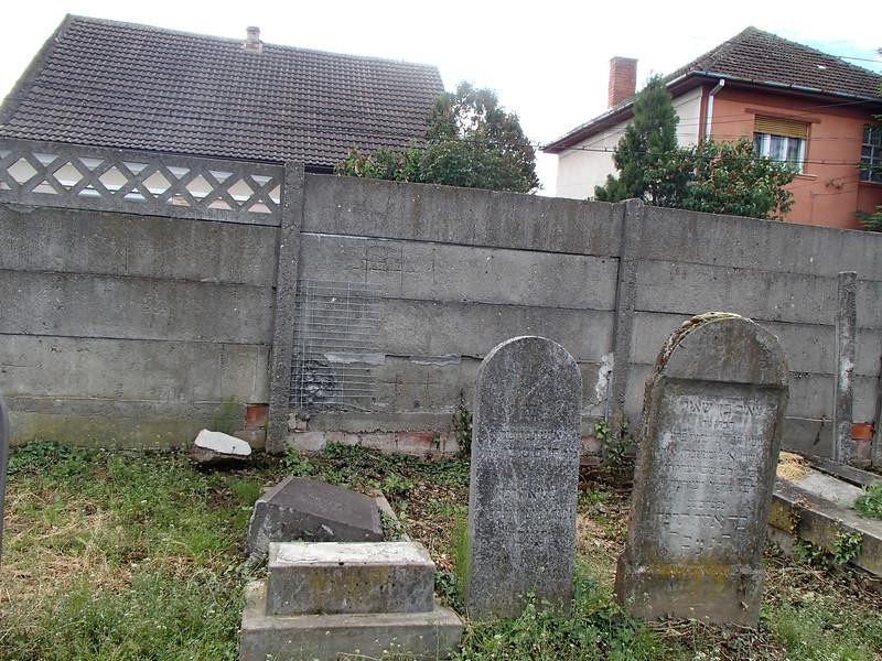 P5150023Holocaust Memorial Szatmar