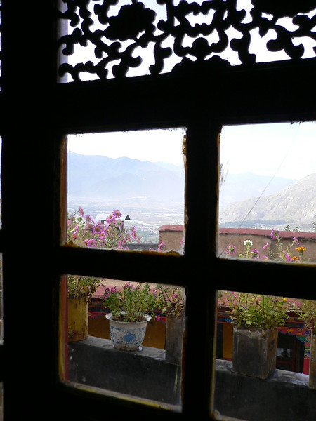 64 Window on Lhasa