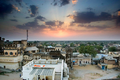 Sunset from the top of Mandawa fort.