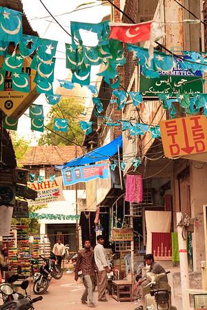 08IB436 Andhra Pradesh Hyderabad India Islam Faith Street